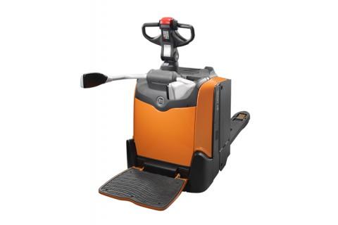Elektryczny wózek paletowy z platformą do prac o dużym natężeniu w pomieszczenich zamkniętych