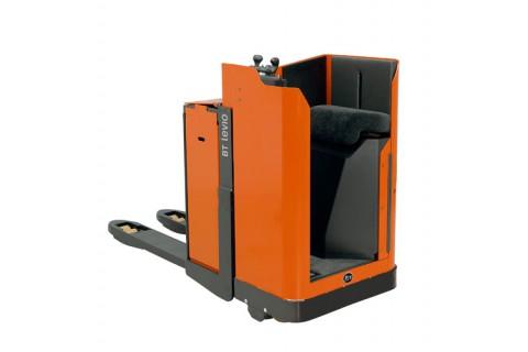 Wygodny i kompaktowy wózek paletowy z napędem do prac o dużym natężeniu