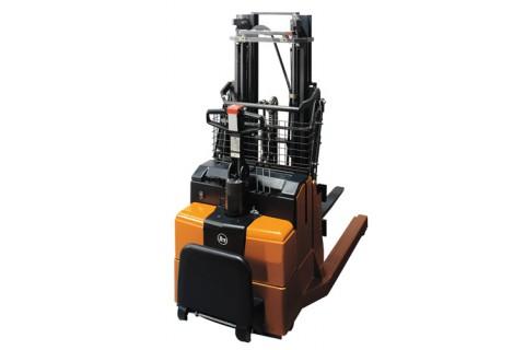 Uniwersalny wózek ręcznie prowadzony z wysuwnym masztem do pracy z różnymi typami palet