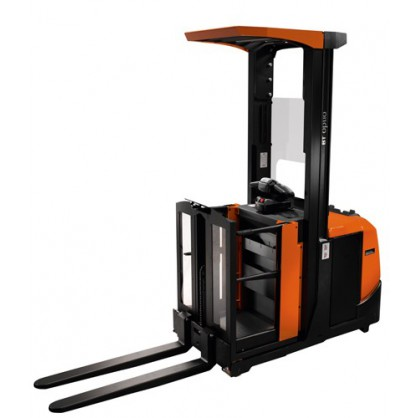 Kompaktowy wózek widłowy do kompletacji ze średniego poziomu przy dużej intensywności zamówień