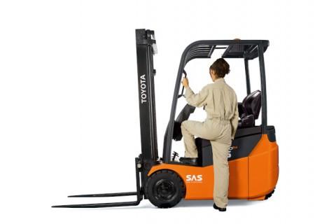 Kompaktowe elektryczne wózki widłowe do przewożenia lekkich i średnich ładunków