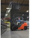 Kompaktowe wózki widłowe z przeciwwagą do prac o średniej intensywności