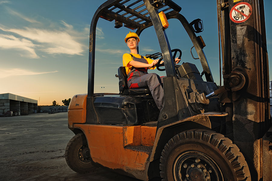 Czy kobieta może być operatorem wózka widłowego?
